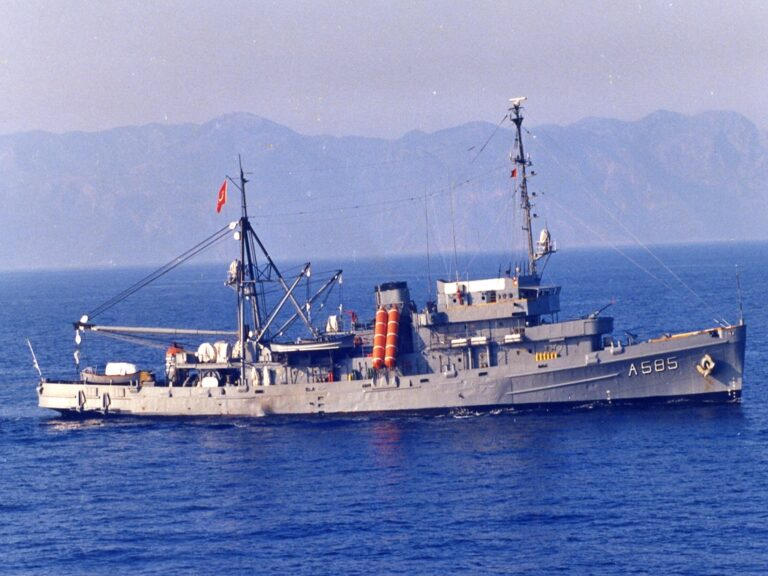 Turkish Navy decommissions 74 year old submarine rescue ship TCG AKIN.