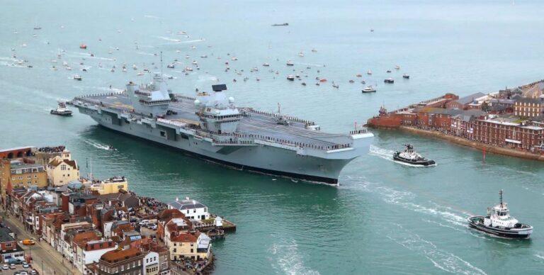 Leak found on HMS Queen Elizabeth.