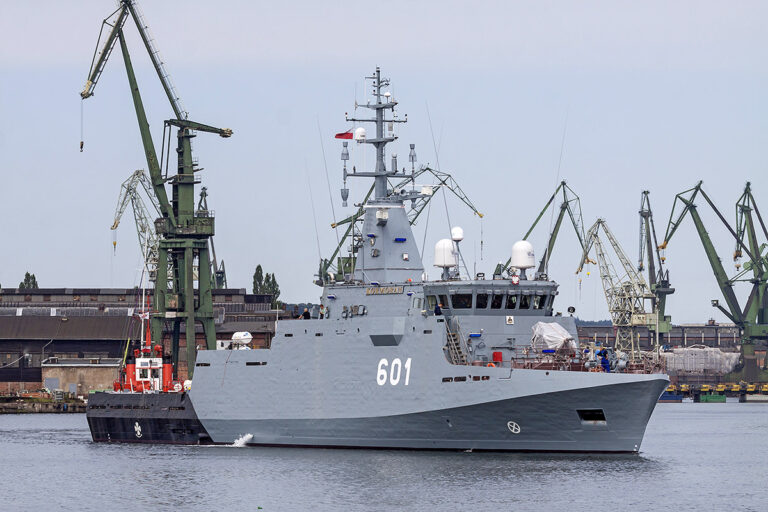 Polish Navy inks $570M deal for minesweepers, rescue vessel