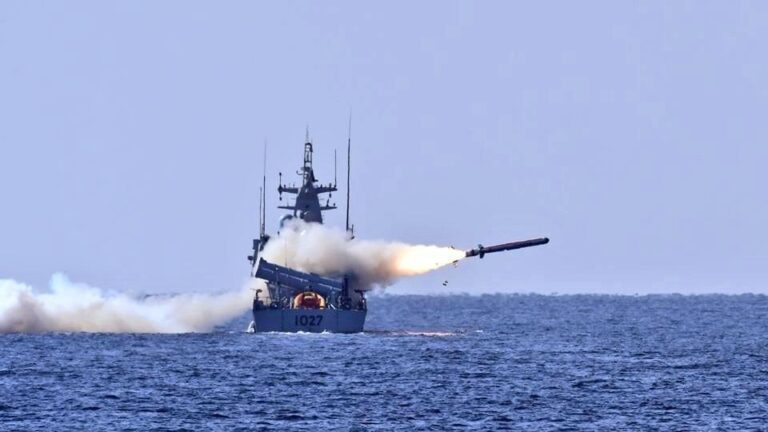 Pakistan Navy test fires new Harba cruise missile from PNS Himmat