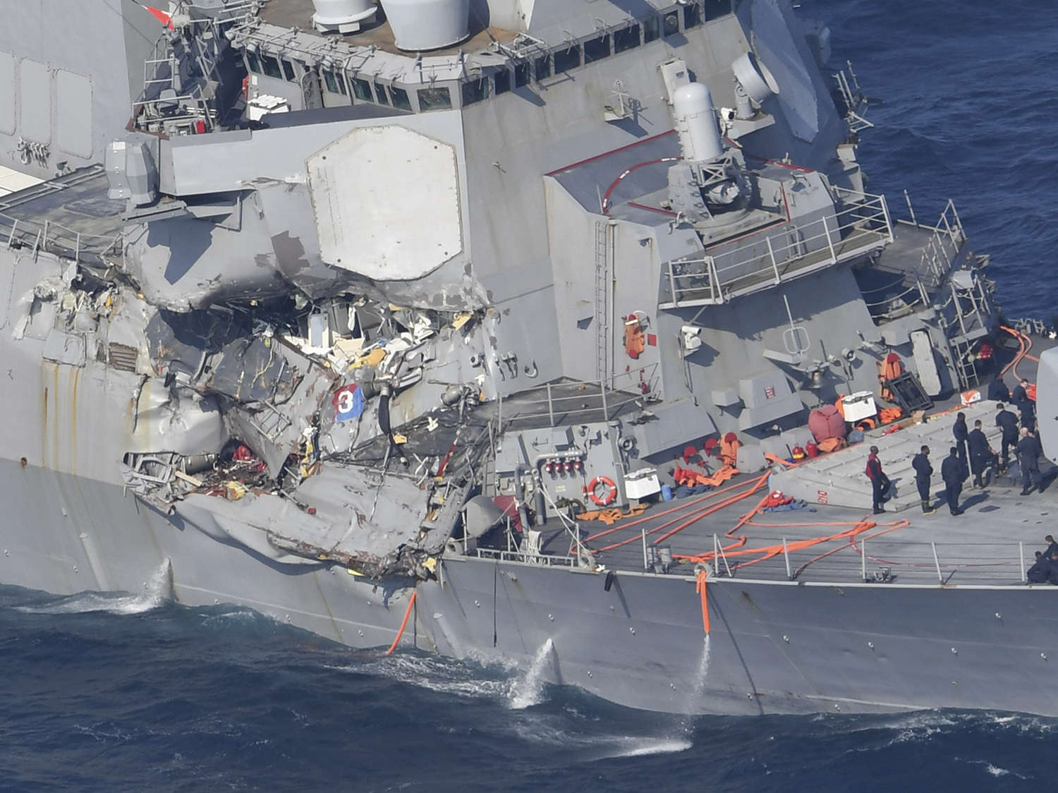 U.S. Navy Seeks to Prosecute Top Officers for Crashes