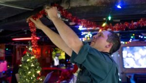 operation reassurance christmas decorations - naval post- naval news and information