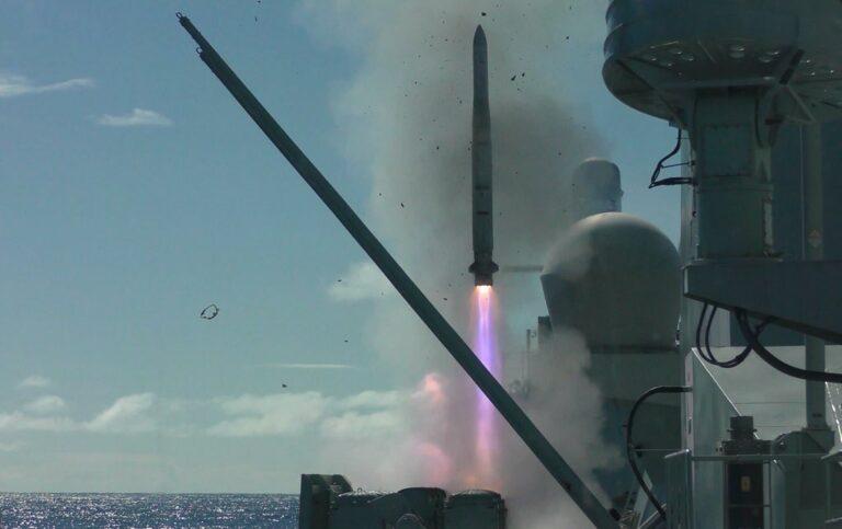 HMCS Calgary's ESSM firing