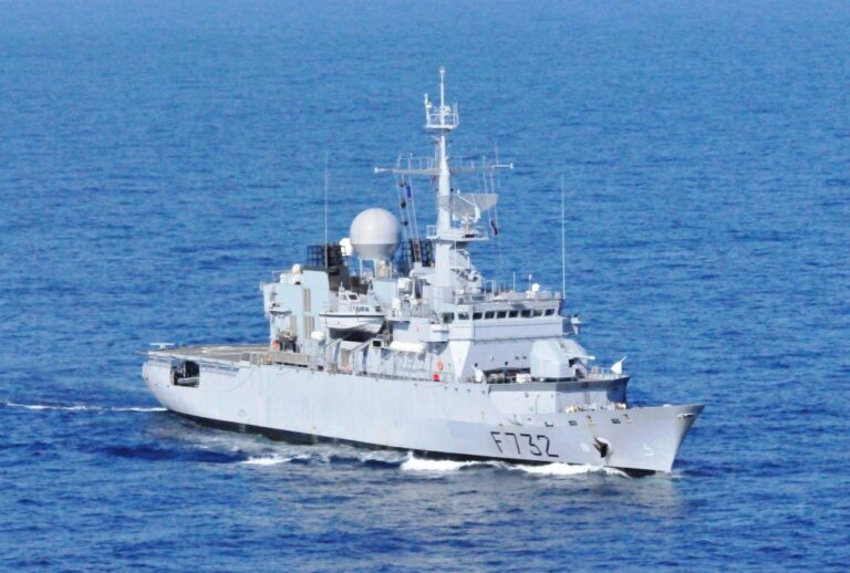 French frigate Nivôse has seized 251 kilograms of heroin after boarding of a dhow off the coast of Somalia.