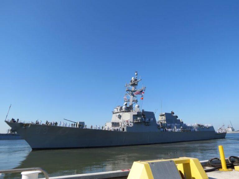 USS Farragut forced into maintenance in Norway