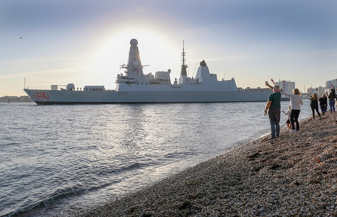 HMS Dragon leaves Portsmouth for the Persian Gulf