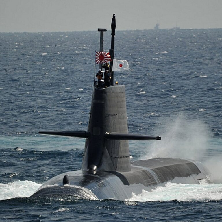 Japan MSDF submarines to allow women in crew