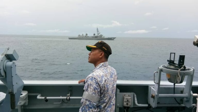 The Republic of Singapore Navy (RSN) and the Royal Australian Navy (RAN) participated in the bilateral maritime exercise