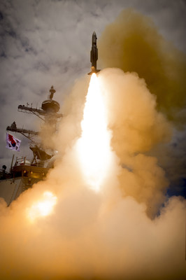 Standard Missile-2 defeats aerial targets in South Korean Navy exercises