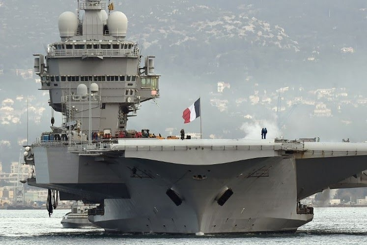 France launches plan for new aircraft carrier