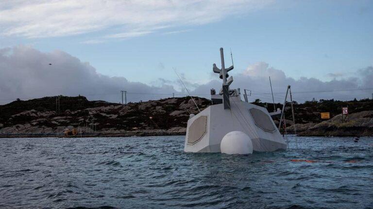 Update: Norwegian navy frigate KNM Helge Ingstad