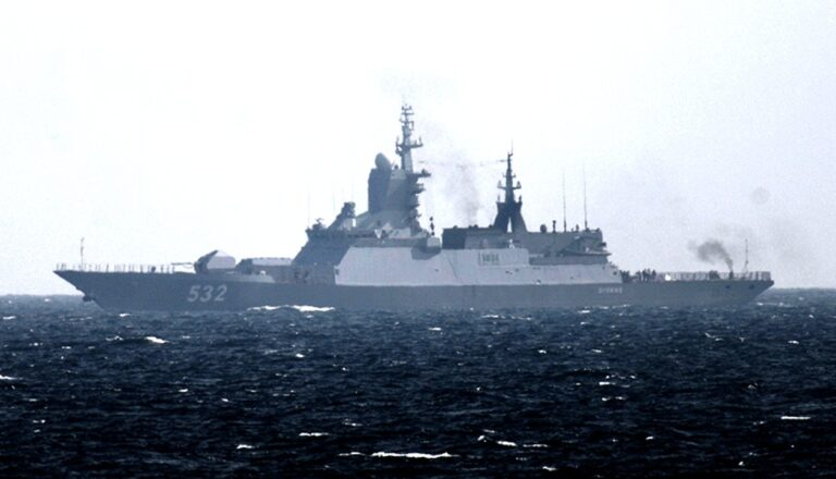Russian Navy escorts US destroyers that entered Baltic Sea