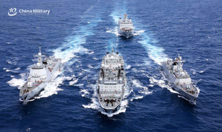 Chinese Navy supply ship  refuels three ships at once