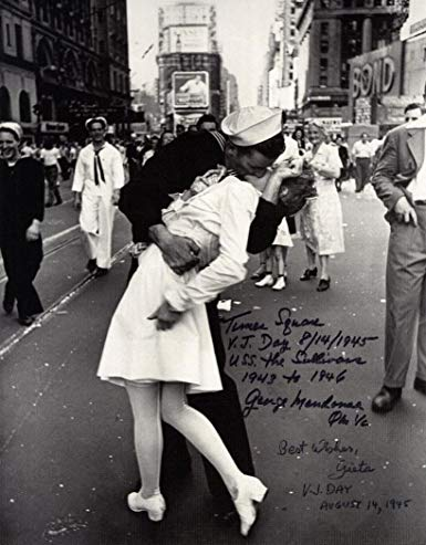Sailor in iconic kissing photograph in Time Square dies at 95