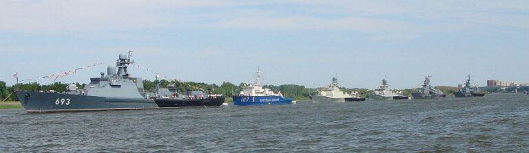 Caspian Flotilla warships take part in combat readiness check