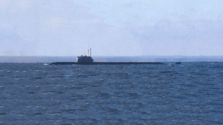 14 submariners died during the Fire Occured at Russian Submarine