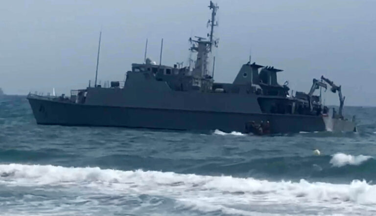 Spanish Navy Minehunter SPS Turia ran aground