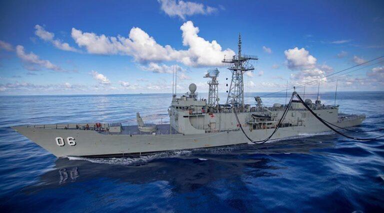Greek Committee Visited Australian Frigate for Procurement
