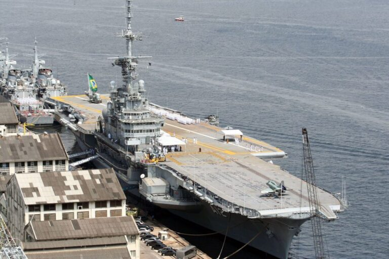 Brazilian ex-Aircraft Carrier Goes on a Sale