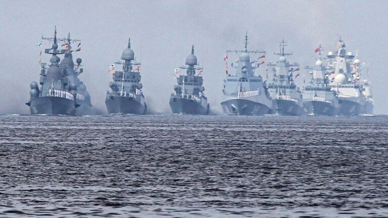 Criticism: Does the current course allow Russia to achieve Gorshkov's dream?