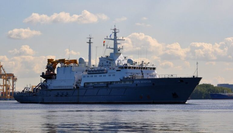 Russian Navy to Hold Submarine Rescue Drills with Vietnamese Navy