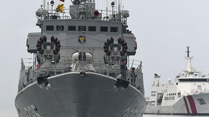 Indonesian Military on Full Alert in North Natuna Sea After Border Intrusion by Chinese Vessels