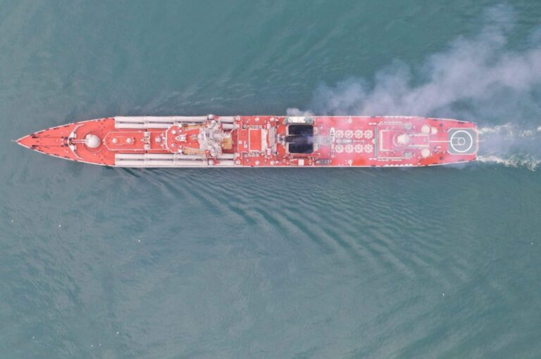 Why are the decks of Russian ships red?
