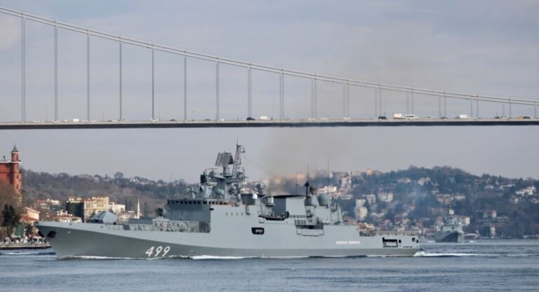 Russia sends 2 frigates to East Mediterranean as tension rises at Syria