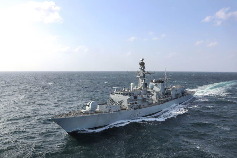 HMS Montrose Captures Drugs Worth £6m In the Gulf of Oman