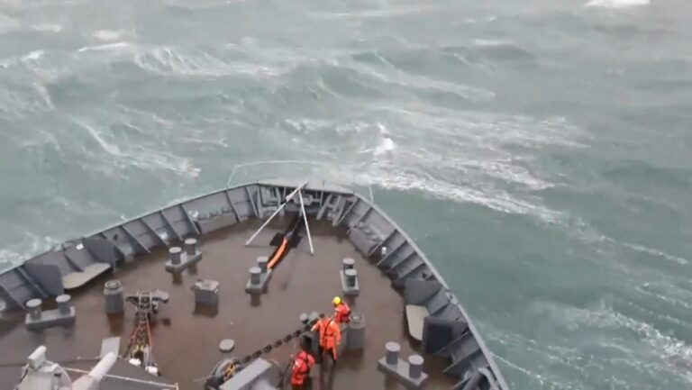 Hard cruise to the U.K: HNLMS Rotterdam struggles in heavy seas