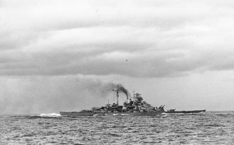 bundesarchiv bild 146 1984 055 14 schlachtschiff bismarck nach seegefecht - naval post- naval news and information