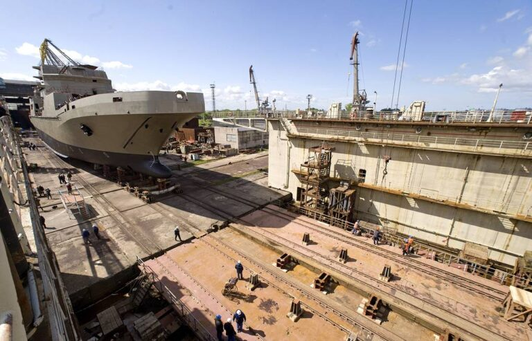 Russian under-construction LST Pyotr Morgunov to be commissioned at May