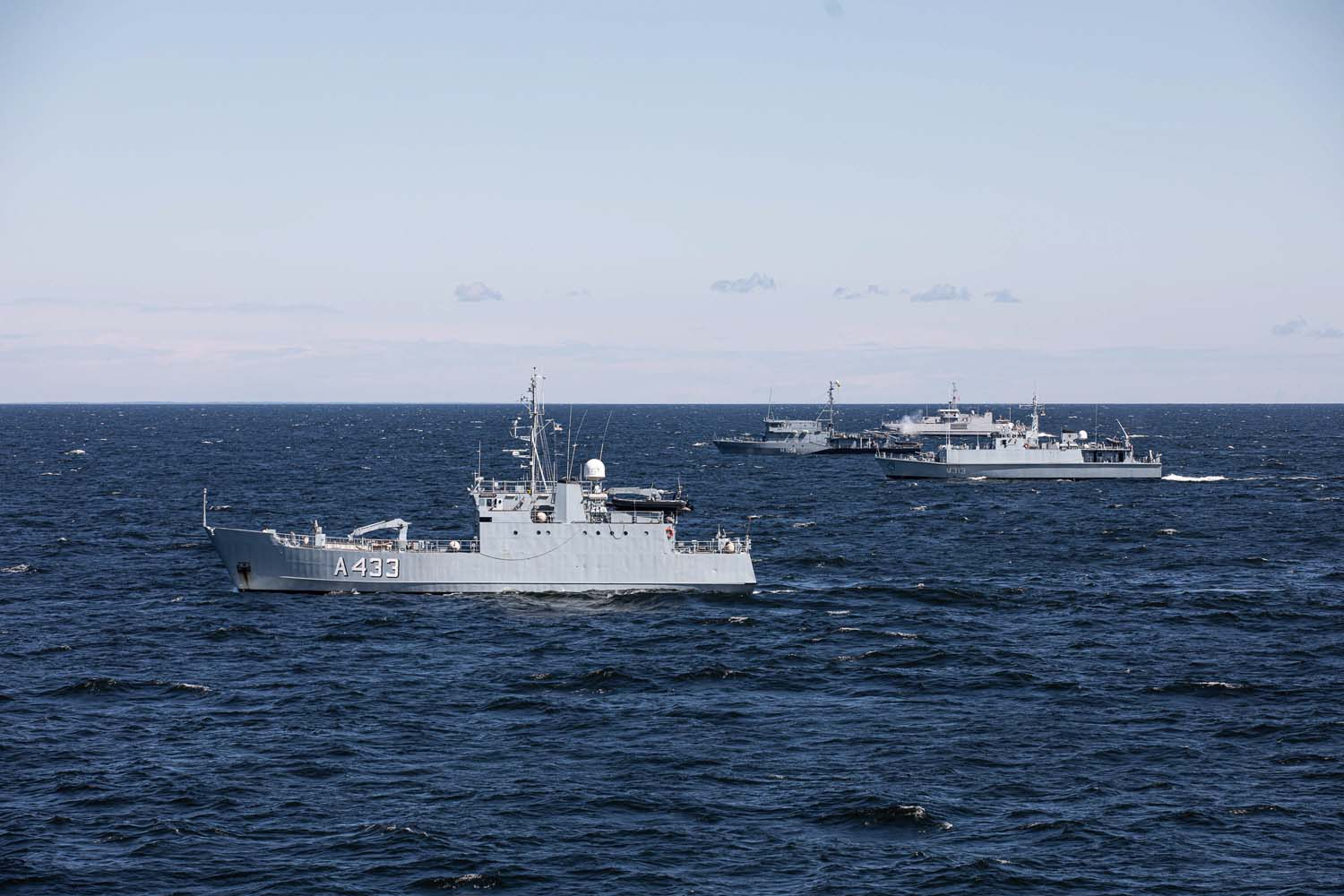 Standing NATO Mine Countermeasures Group-1 holds drills with Estonia