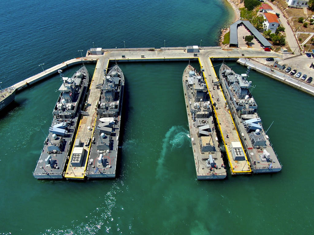 hellenic navy's roussen-class fbps berthed together