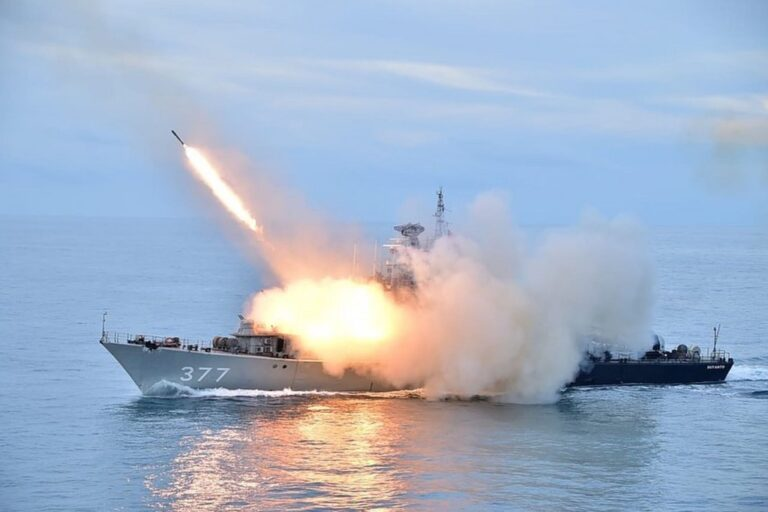 Indonesian Navy holds naval exercise in the South China Sea