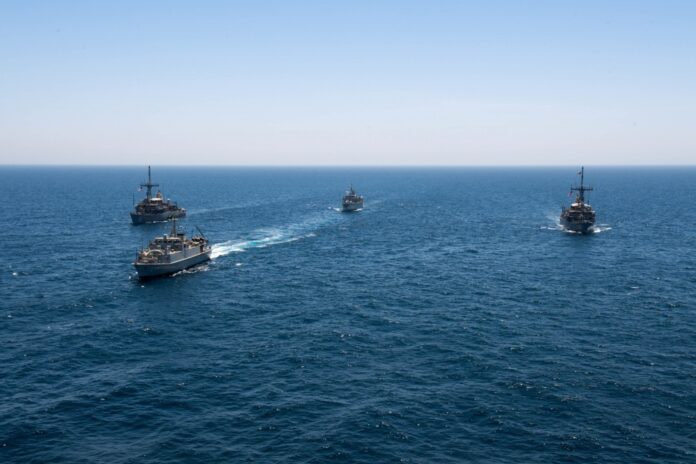 Royal Saudi Navy holds MCM drills with the U.S. and UK naval assets