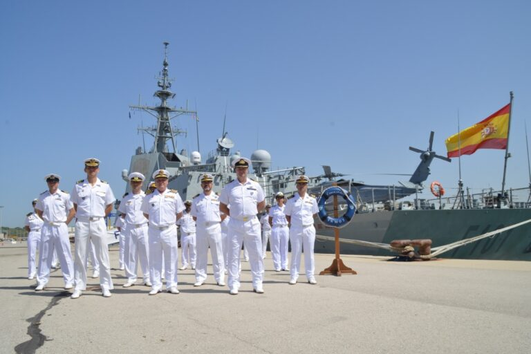 Spain takes the command of SNMG2 from Italy