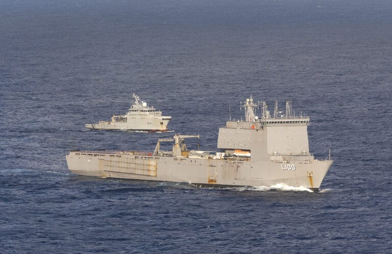 Royal Australian Navy and French Navy Assets Conduct PASSEX in the Pacific Ocean