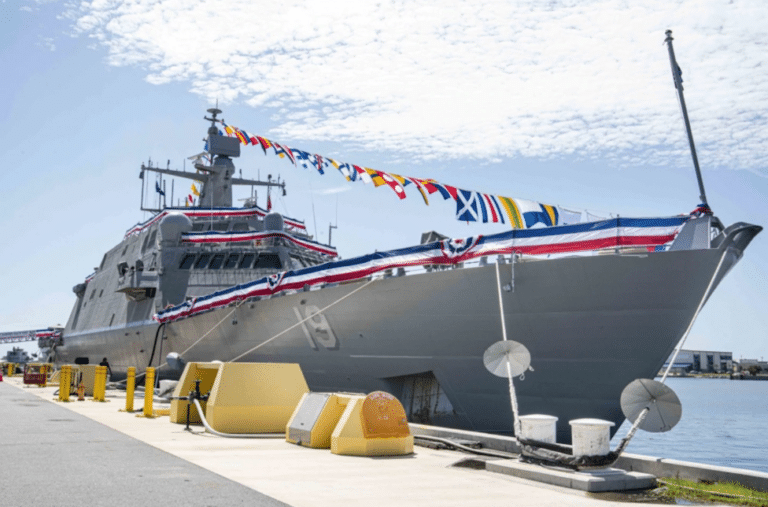 US Navy commissions the newest LCS USS St. Louis