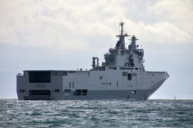 French Navy sends helicopter carrier to Beirut for humanitarian aid