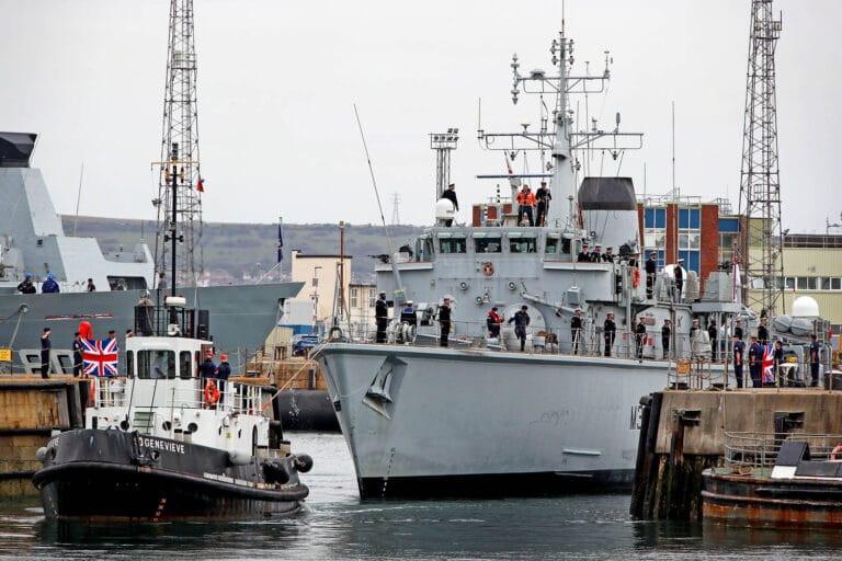 British minesweepers return home after 3 years of deployment at the Persian Gulf