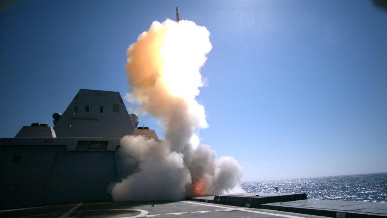 USS Zumwalt conducts first Standard Missile fire from MK 57 VLS