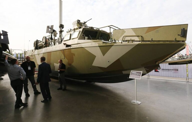 Russian Baltic Fleet receives fast-speed landing craft for special forces
