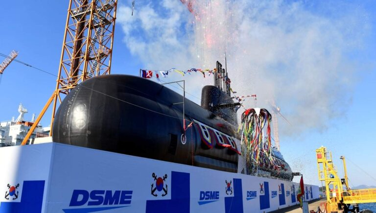 Daewoo launches 2nd KSS-III submarine for the ROK Navy