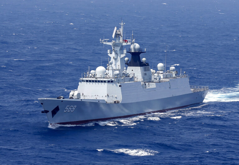 China sends a naval fleet to the Gulf of Aden for the counter-piracy mission