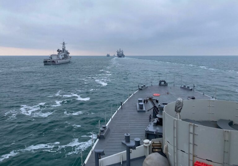 SNMCMG1 conducts HODOPS with the Dutch Navy