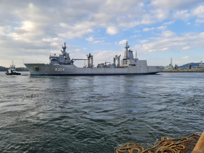 HMAS Stalwart 304 starts sea trials