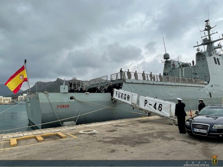Spanish OPV Furor deploys in the West Coast of Africa