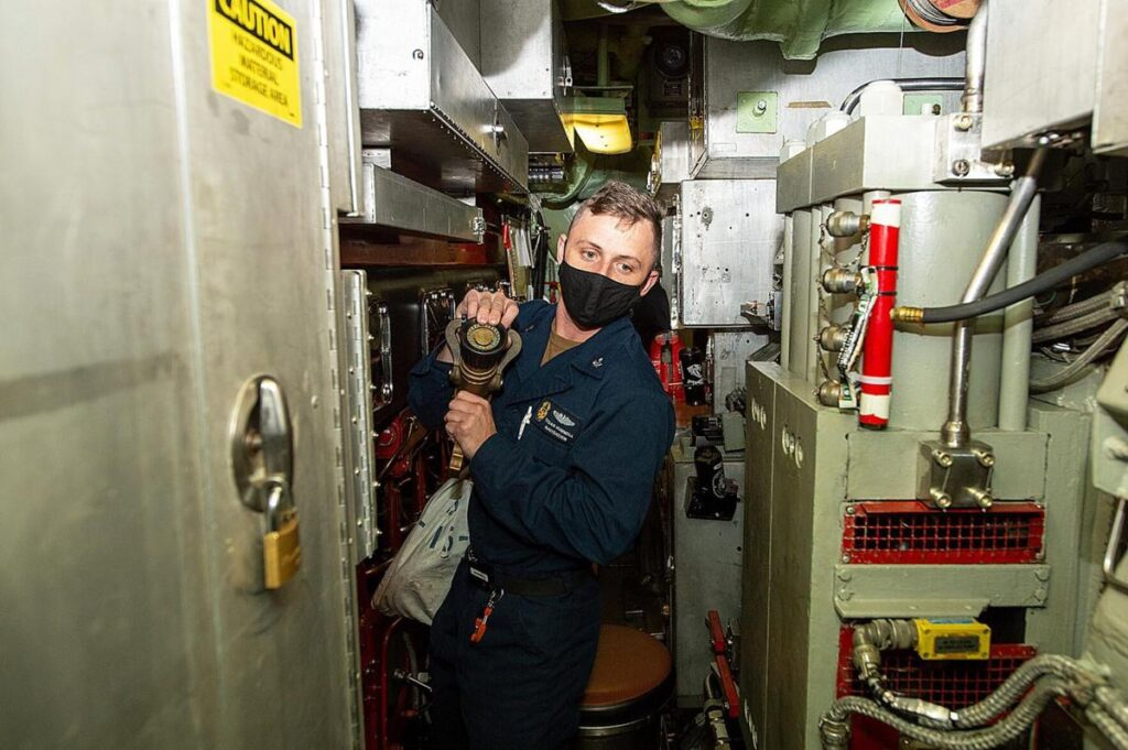inside submarine - naval post- naval news and information