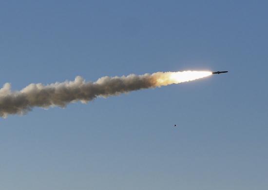 Admiral Gorshkov Frigate test-fires Oniks Cruise Missile